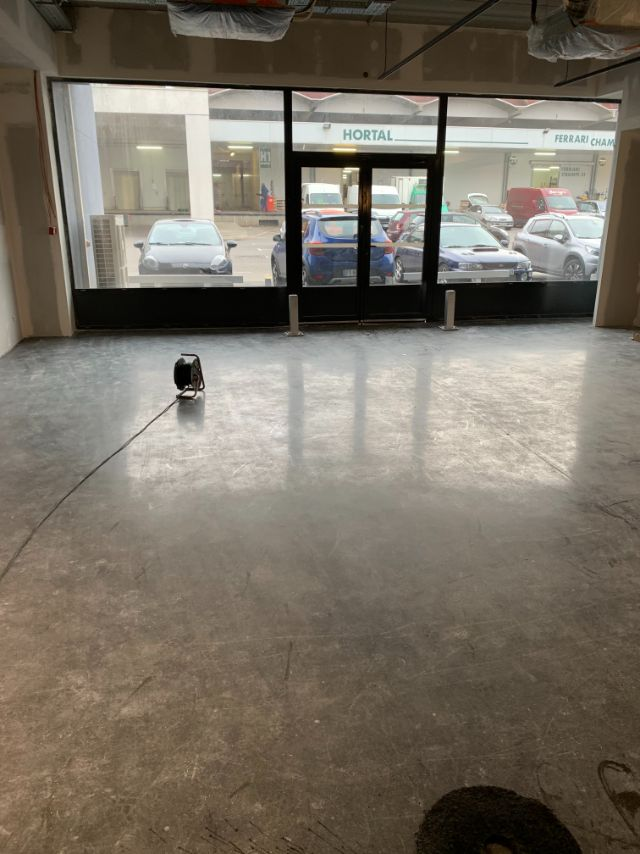 Nettoyage de fin de chantier d'un local commercial sur le MIN de Toulouse, DNA Propreté & Services